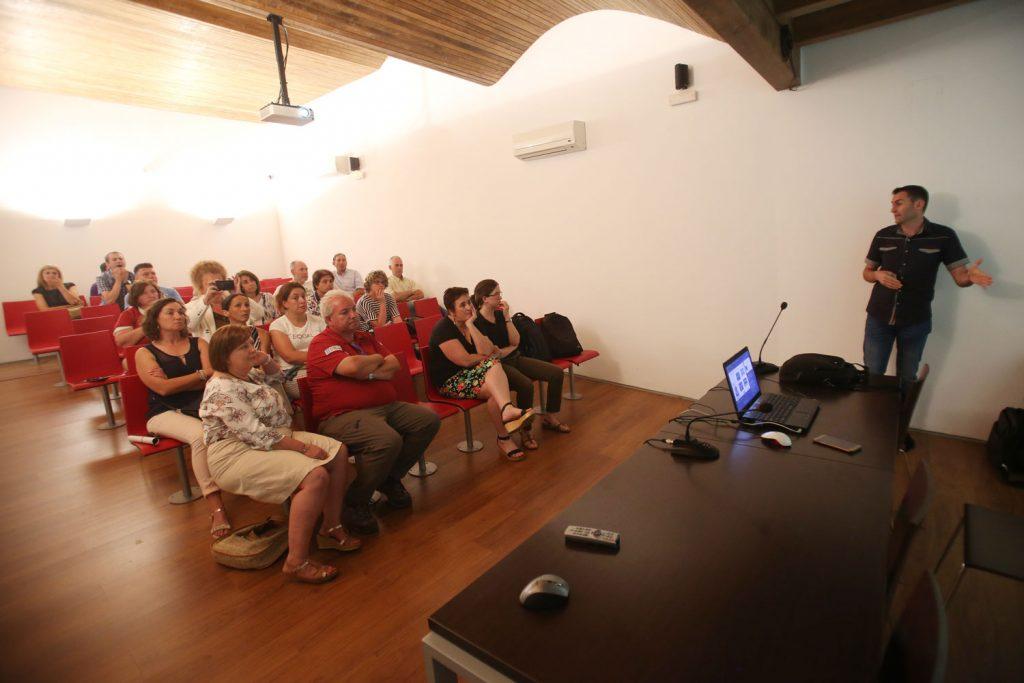 Taller formativo para el sector pesquero en Baiona del proyecto Alganat